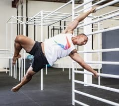 Using Bodyweight strength applying length and leverage in the Human Flag